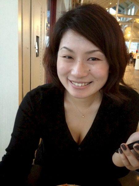 Femme libertine asiatique dominatrice pour mec soumis
