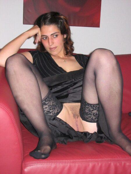 Femme maghrébine soumise pour amant clean disponible