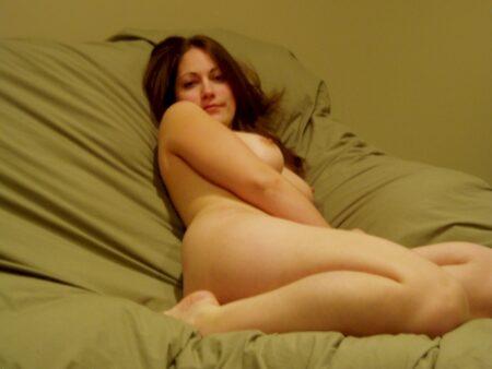Je cherche un célibataire réservé qui veut d'un plan baise pour une nuit
