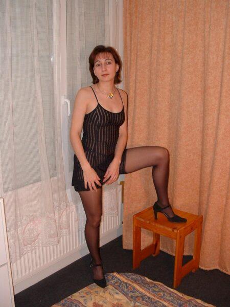 Libertine sexy domina pour gars docile